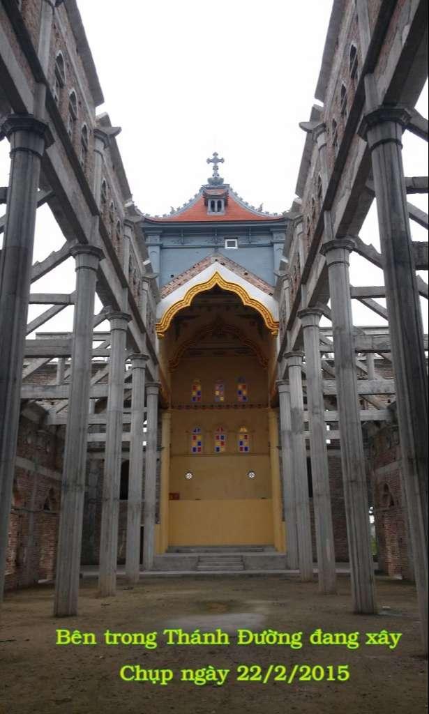 Hình ảnh nhà thờ giáo họ Trung Châu đang xây dựng