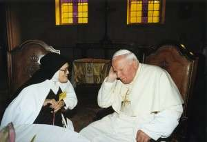 Chị Lucia Fatima đã tiên báo 'trận chiến sau cùng' của Chúa với Satan là về lĩnh vực hôn nhân và gia đình